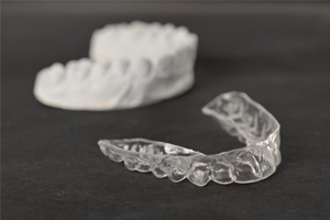 aligner and tooth mold